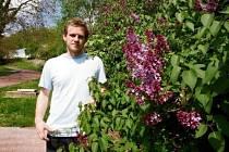 V Botanické zahradě v Troji zrovna kvetou šeříky. Návštěvníci můžou vidět také zmarliku čínskou, která má krásně růžové květy.