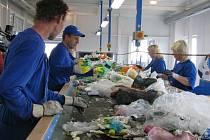 STÁVAJÍCÍ SYSTÉM tříděného sběru odpadu chce kraj příští rok výrazně podporovat. Ilustrační foto.