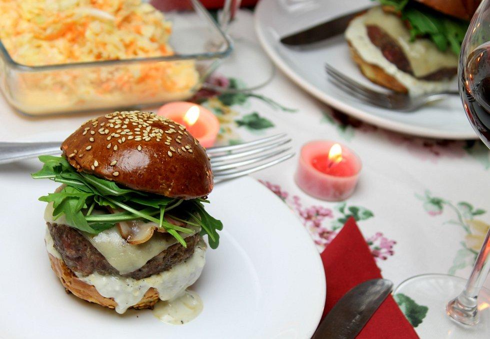 Partnera překvapíte i lahodným burgerem
