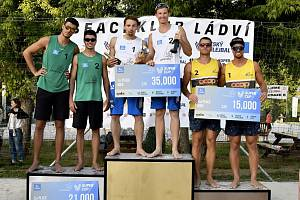 Beachvolejbalový turnaj v Ládví ovládly české jedničky