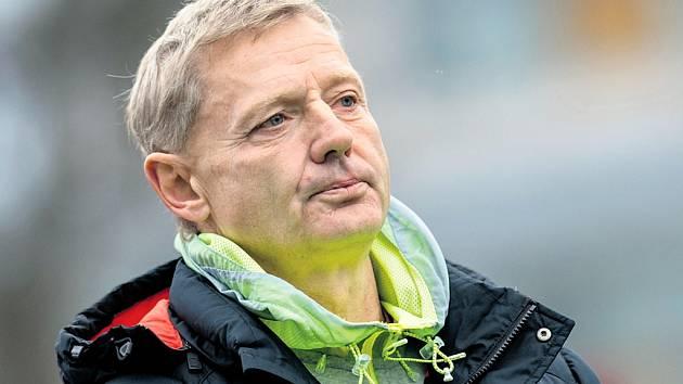Zdeněk Ščasný, kouč pražské Sparty, snad ani nevěřil vlastním očím. První osmifinále národního poháru se pražským fotbalistům nepovedlo.