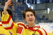 Po napínavém boji si pražští hokejisté odvezli ze Zimních olympijských her dětí a mládeže v Ústeckém kraji zlatou medaili.