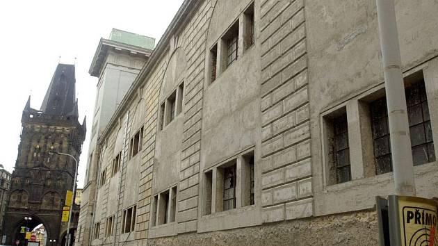 Palác U Hybernů.