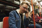 Telefonát v metru? Hudba budoucnosti.
