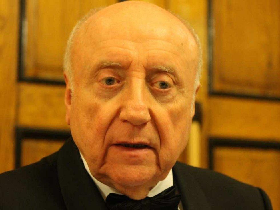 Felix Slováček.