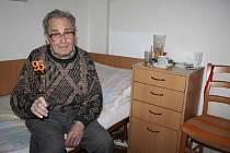 Už jen pět let do století! Na konci listopadu oslavil Karel Novotný, který pracoval celý život jako konstruktér nábytku, krásné pětadevadesáté narozeniny.