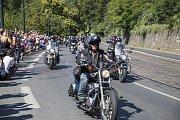 Spanilá jízda Harley Davidson Prahou.