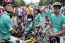 Na Václavském náměstí v Praze odstartoval cyklo-maraton zdravých i handicapovaných cyklistů Jedeme v tom všichni!