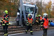 Nehoda popelářského auta.