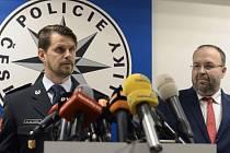 Ředitel pražské policie Jan Ptáček a šéf Městského státního zastupitelství v Praze Martin Erazím okomentovali kauzu Andreje Babiše a údajného únosu jeho syna na Krym.