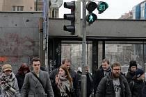 Na přechodech pro chodce u I .P. Pavlova se zobrazuje, jak dlouho ještě vydrží zelená.