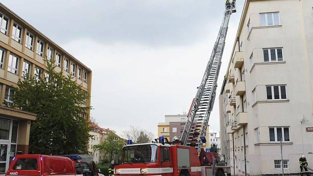 Požár v ulici Žateckých.