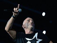 Italský zpěvák Eros Ramazzotti vystoupil v pátek 30. října 2015 v pražské O2 areně.