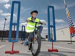 Vítání cykloobčánků,preventivně – bezpečnostní akce pro předškoláky a žáky prvních tříd ,která má za cíl připravit je na nástrahy silničního provozu. Parkoviště Černý Most.