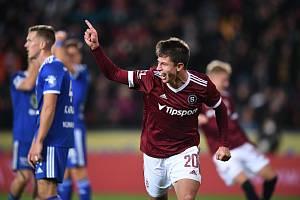 Ohromná euforie vypukla v 93. minutě zápasu Sparta - Mladá Boleslav. Adam Hložek rozhodl parádní fotbalovou bitvu.