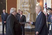Prezident Miloš Zeman jmenoval  na Pražském hradě Ljubomíra Drápala předsedou Krajského soudu v Praze.