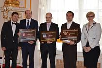 Ministryně Šlechtová předala zastupitelům města Jičín ocenění Historické město roku.