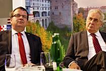 Prezident Miloš Zeman (vpravo) a Jan Mládek. Ilustrační foto.