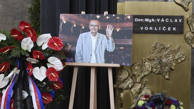 V Praze se koná poslední rozloučení s režisérem Václavem Vorlíčkem.