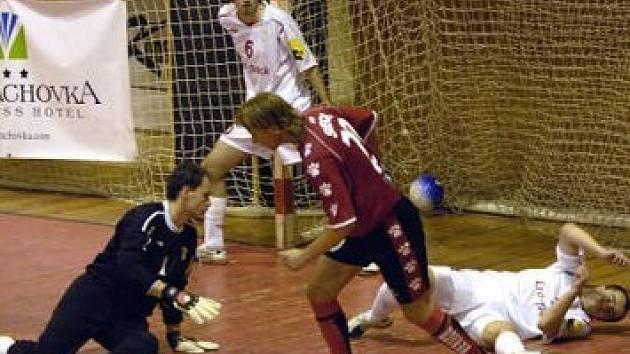 Finále nadosah. Futsalisté Eco Investmentu rozehráli semifinále nejvyšší soutěže s Chrudimí na jedničku.