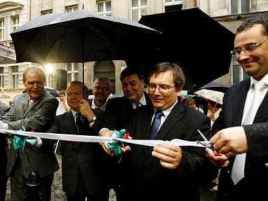 Dům národnostních menšin byl slavnostně otevřen 21. června 2007 za přítomnosti mnoha hostů v Praze.