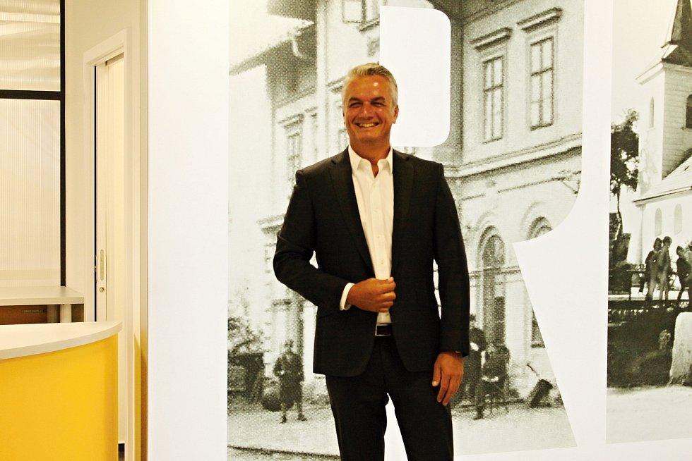 Otevření zrekonstruované pobočky České pošty v Praze 17 – Řepy v ulici Makovského.