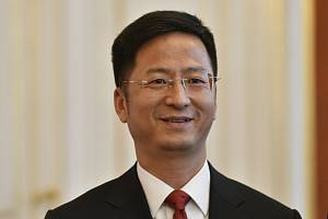 Velvyslanec Čínské lidové republiky Čang Ťien-min (na archivním snímku).