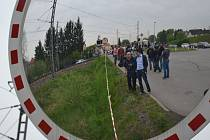 Fotografie z místa tragédie: Zpěvačka Iveta Bartošová spáchala v úterý 29. dubna 2014 sebevraždu, na trati mezi Uhříněvsí a Benicemi skočila pod vlak.