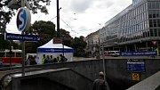 Vstup do metra Karlovo náměstí.