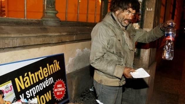 Drtivá většina bezdomovců jsou muži. Někteří se chtějí do běžného života vrátit, jiní nikoli.