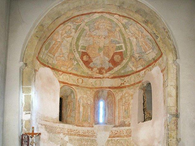 Odhalení vzácné fresky v kostele Stětí sv. Jana Křtitele v Praze – Hostivaři.