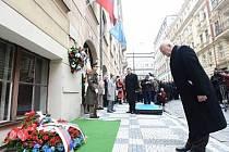 Prezident Václav Klaus se 17. listopadu v Praze před Hlávkovou kolejí zúčastnil pietní vzpomínky na listopadové události v roce 1989