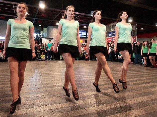 St. Patrick's dance 2015 na Hlavním nádraží v Praze 17. března