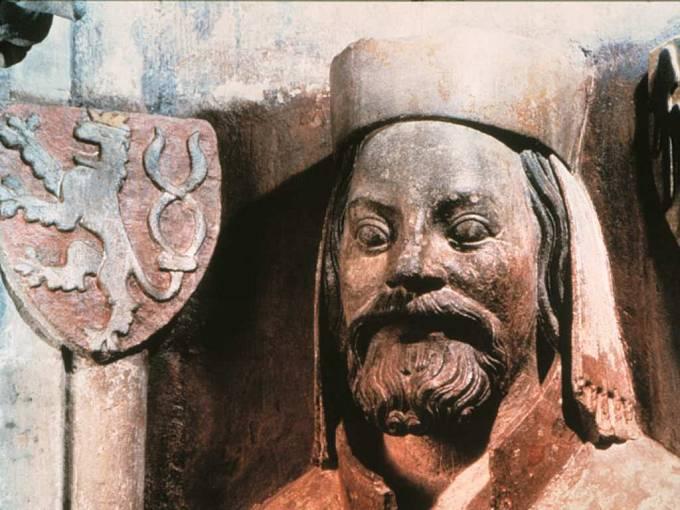 Busta Karel IV.