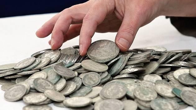 Modřany se dostaly do povědomí snad všech Pražanů díky sedmi kilogramům starých zlatých a stříbrných mincí, které našla úřednice Prahy 12 při kontrole stavebních prací.