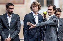 Slavnostní zahájení prvního ročníku tenisového Laver Cupu, které se konalo 20. září na Staroměstském náměstí v Praze. Marin Cilic, Alexander Zverev, Roger Federer,