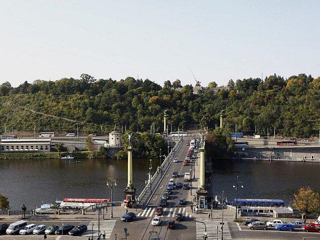 Pohled na Čechův most a Letnou