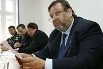Starosta páté městské části Milan Jančík její mimořádnou schůzi nesvolá.