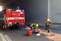 Z důvodu posílení požární ochrany na území hl. m. Prahy drží Jednotka dobrovolných hasičů z Běchovic pravidelně, v počtu 1+3, 24hodinové služby přímo na své zbrojnici.  Foto: Miroslav Säckl