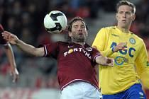 KAROL KISEL. Pro Spartu už není slovenský hráč (vlevo) perspektivní, zájem o něj projevilo několik klubů.