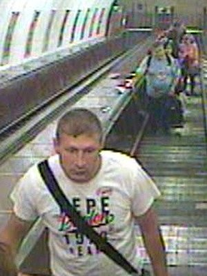 Policie zveřejnila podobiznu pachatele podezřelého zvraždy muže na Florenci a požádala veřejnost ospolupráci při pátrání.