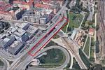 Část mostu u stanice Vltavská v kritickém stavu.