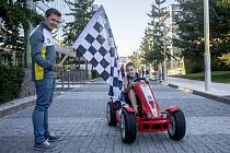 Společnost B.Braun v rámci kampaně Plníme sen pohybem věnovala 31. srpna v Praze šlapací autíčko Ferrari Liborovi Svobodovi, který je od svých dvanácti let odkázaný na umělou parenterální výživu.
