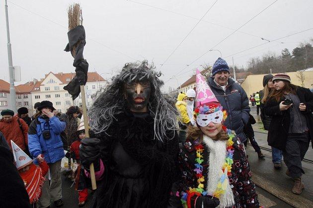 Spolek břevnovských živnostníků a Městská část Praha 6 uspořádali 20. února 2009 15. masopustní maškarní průvod Carneval v Rio de Břevnov.