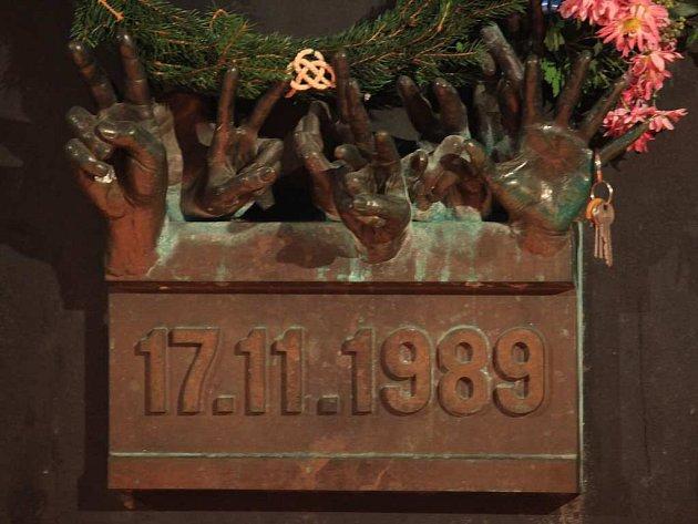 Pamětní deska na pražské Národní třídě