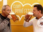 Na Letenské pláni začal Český pivní festival.
