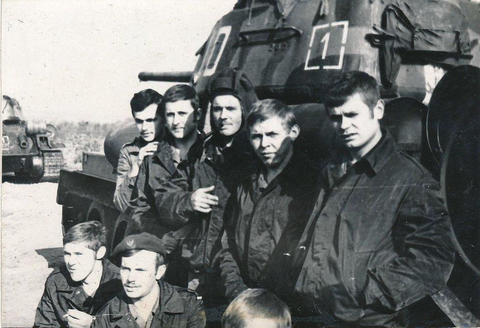 Vojáci pluku, který vedl Tadeusz Oratowski.