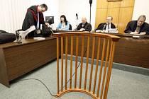PŘINUTIT K ZAPLACENÍ. ALE JAK? Soudům chybí účinné právní nástroje na vymáhání výživného./Ilustrační foto