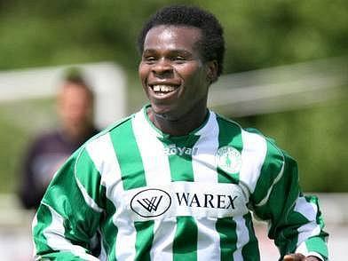 NIGERIJEC VÁLÍ V PRAZE. Fotbalista Stanley Ibe by rád Prahu opustil, zájem má slovinský mistr Domžale.