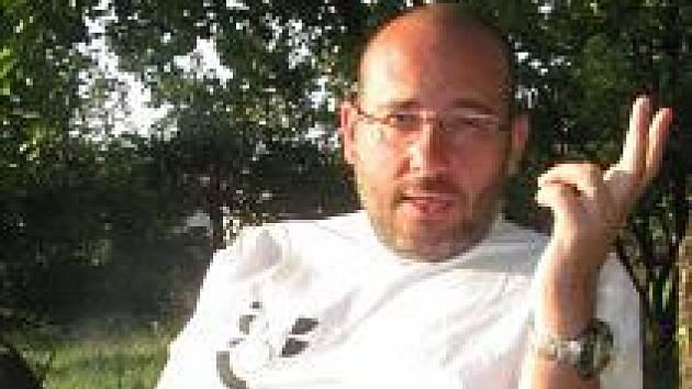 Miroslav Bobek, čtyřiačtyřicetitelý ředitel pražské zoologické zahrady.